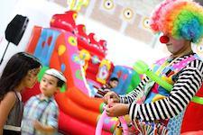 hire-balloonist-clown